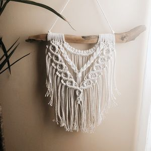 New Macrame and Driftwood Wall Hanging